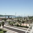 fotografia do jardim das oliveiras no ccb, com vista para o rio tejo
